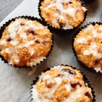 12 Blueberry Muffins with Cinnamon Crumble and Greek Yoghurt Drizzle, $45 (delivery within Singapore), $36 (self collect)